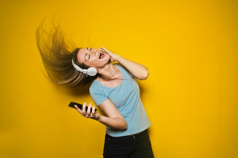 musique impact positif cerveau travailler booster productivité